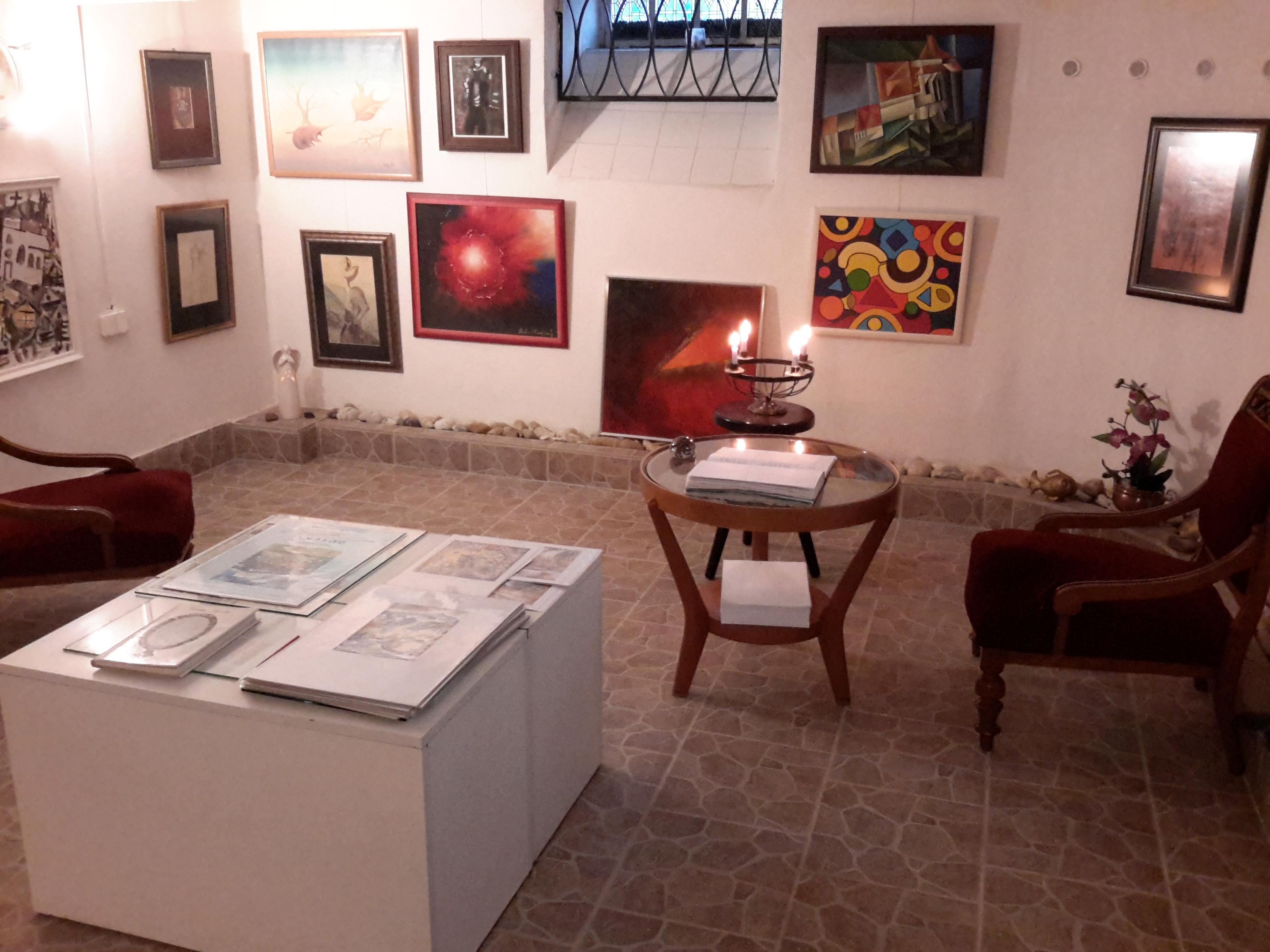 Těšíme se na Vaši návštěvu - Malá galerie ba83dafb566
